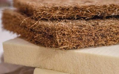 Od suszonych liści i siana do pianki lateksowej. Poznaj ciekawą historię materaca