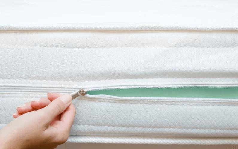 Jaką funkcję pełni pokrowiec na materac? Dlaczego jest tak ważny?